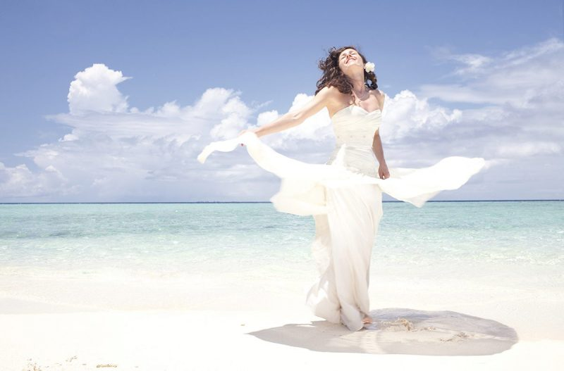 Fashion Brides - Beach Wedding Dresses to Impress