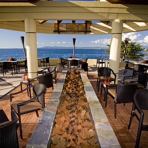 Oceanfront Dining and Elegance